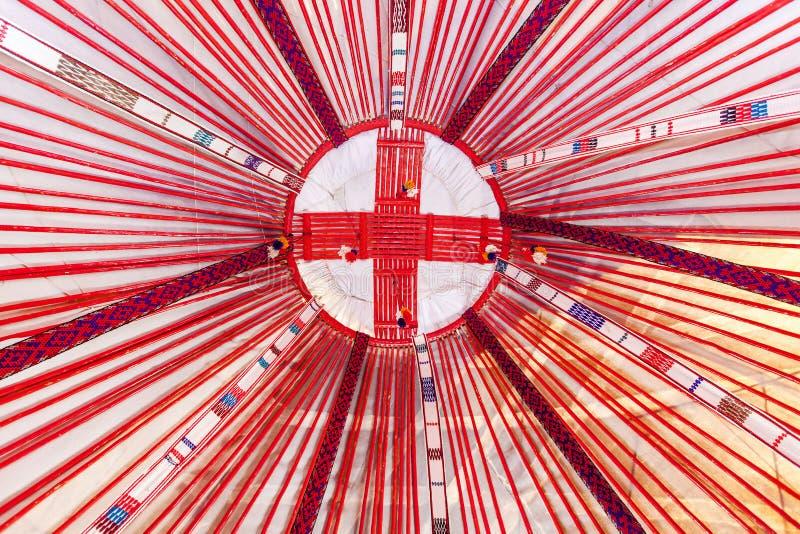 Interno di una tenda di un nomade o di un yurt fotografia stock