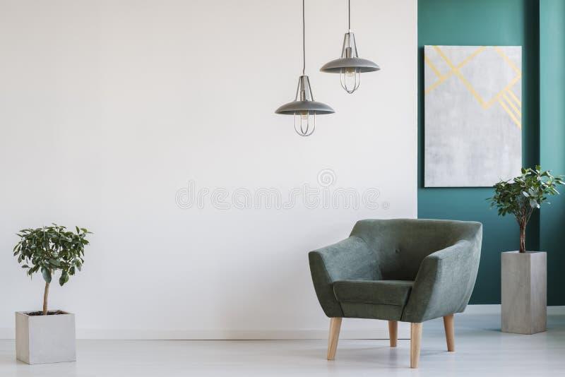 Interno minimalista del salone fotografie stock