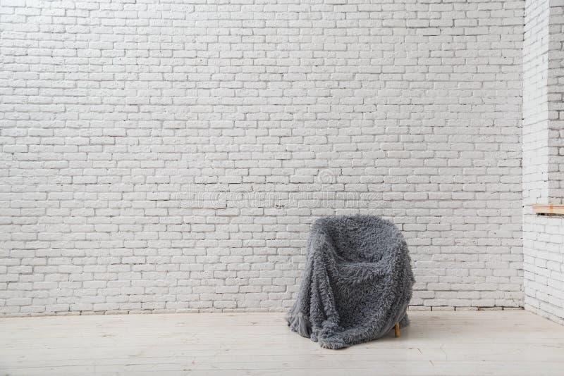 Interno nello stile di minimalismo granaio immagini stock libere da diritti