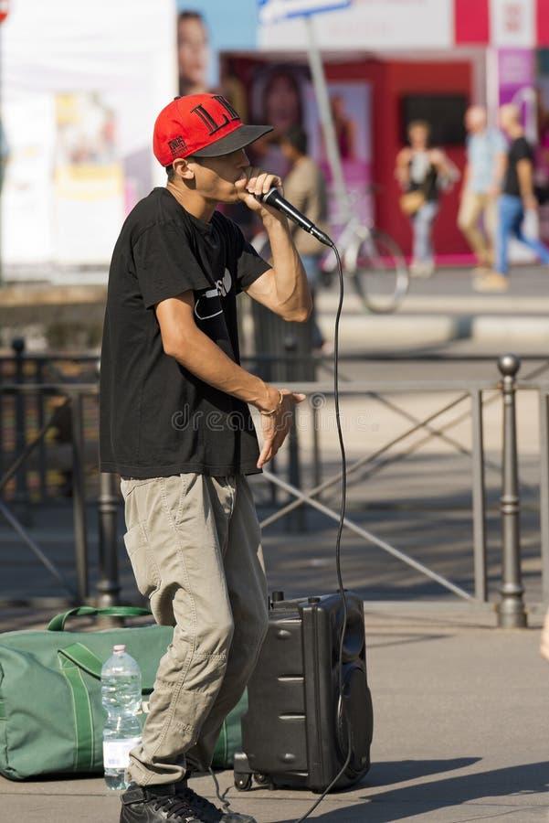 Interprète de rue de Beatbox - Milan Italy photographie stock libre de droits