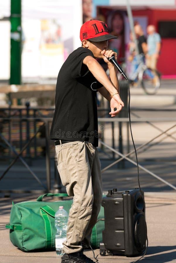 Interprète de rue de Beatbox - Milan Italy photo stock