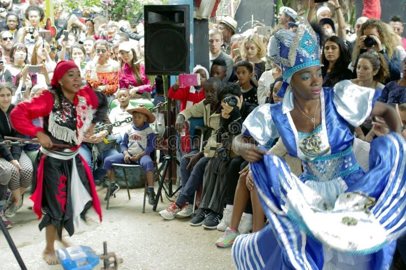 Interprètes de culture et de danse d'Afro-Cubain photo libre de droits
