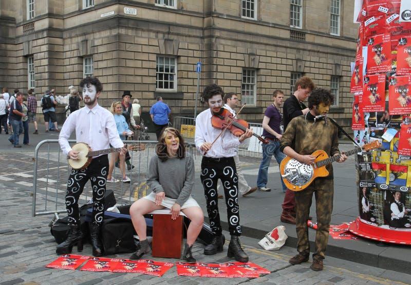 Interprètes pendant le festival 2012 de frange d'Edimbourg photographie stock