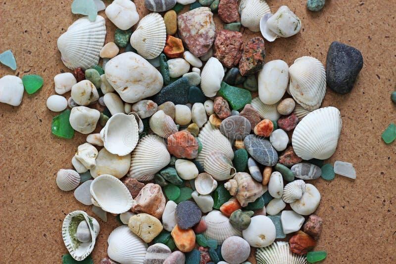 Interpréteurs de commandes interactifs et pierres de mer photos stock
