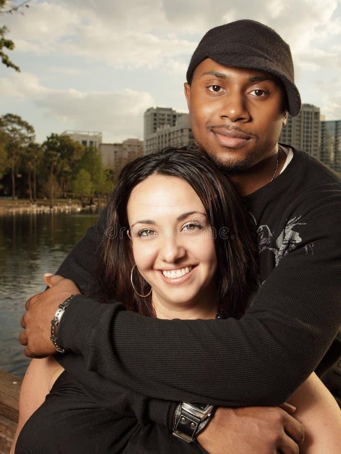 Interracial Paar stock foto
