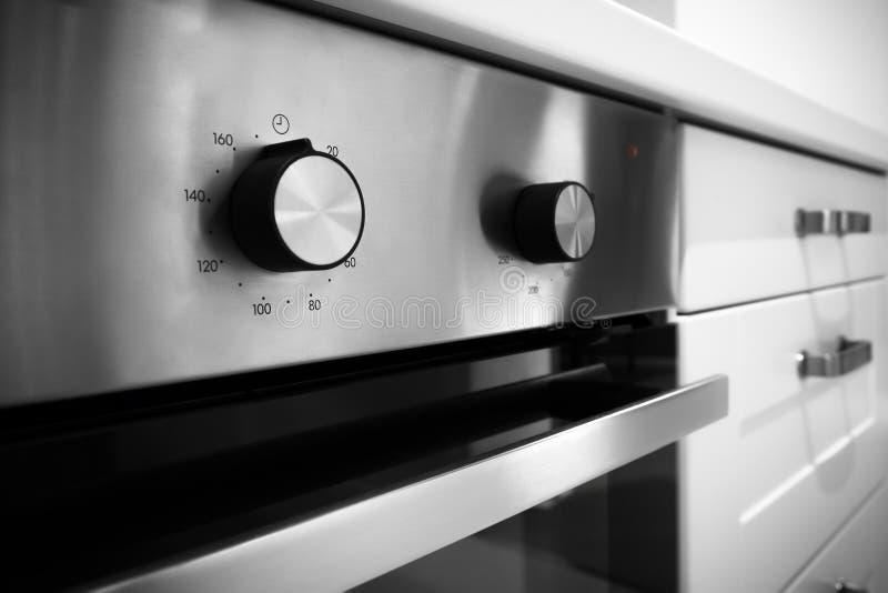 Interruptor de control eléctrico de la estufa de cocina imagen de archivo