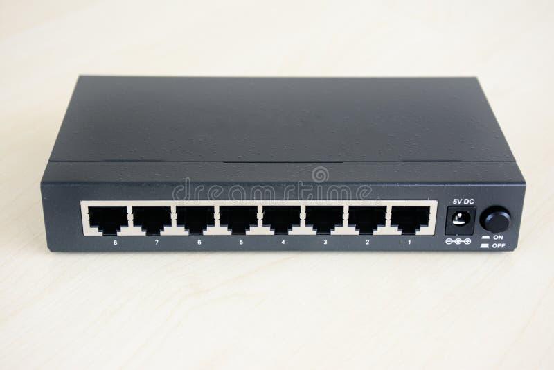 interruptor de 8 portos com corpo metálico foto de stock royalty free