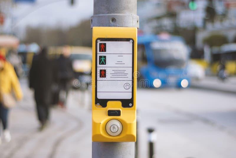 Interruptor de sinais pedestre turco da caminhada imagens de stock