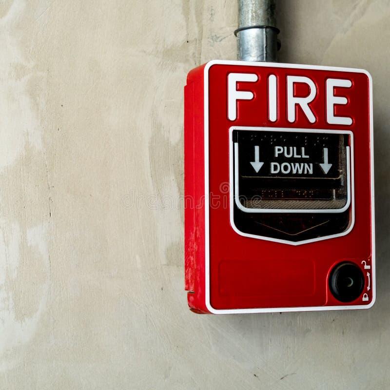 Interruptor do fogo na parede imagens de stock royalty free