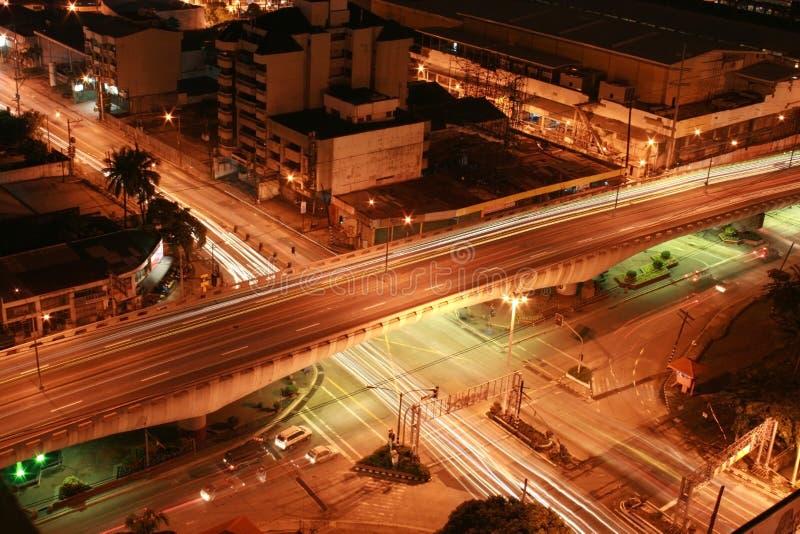 Intersección en la noche imágenes de archivo libres de regalías