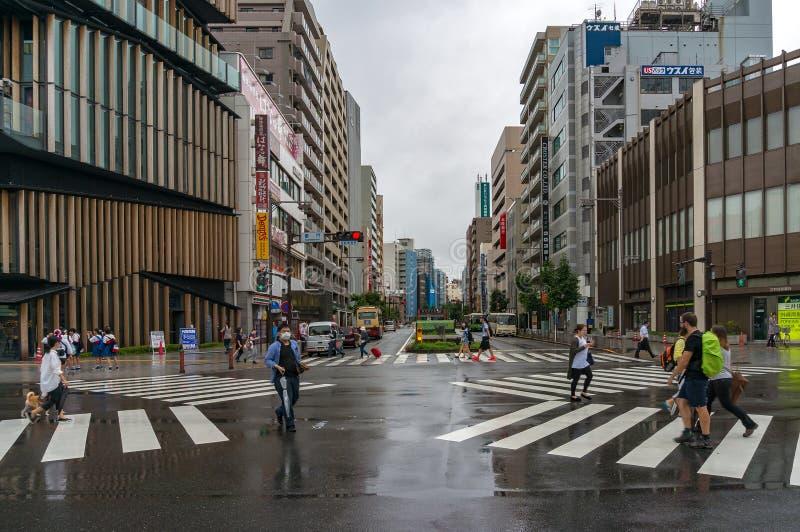 Intersection de rue de Kaminarimon vers Tokyo Asakusa guidé, Se photos libres de droits