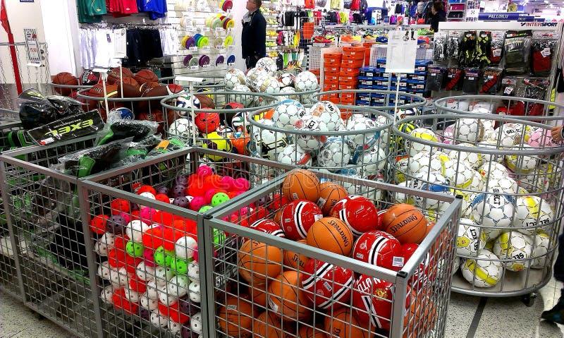 Intersportwinkel in Tampere, Finland stock afbeelding