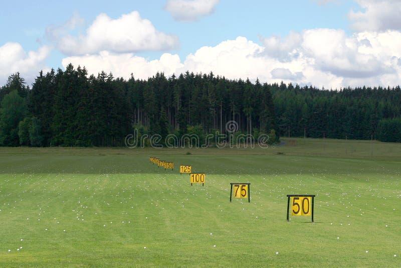 Download Intervallo Di Azionamento Di Golf Immagine Stock - Immagine di distanza, grassy: 3138461