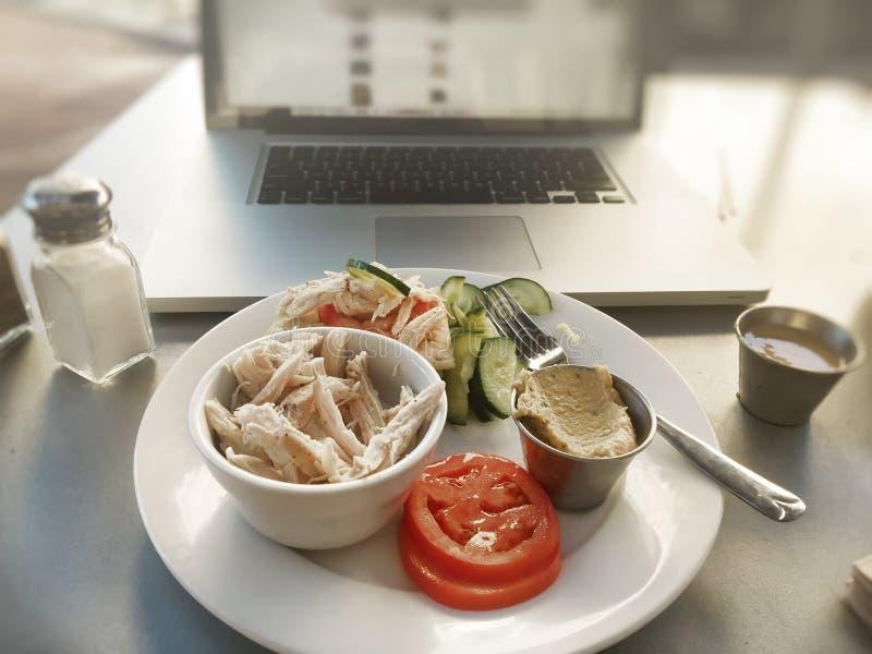 Intervallo di pranzo sano del lavoro fotografie stock