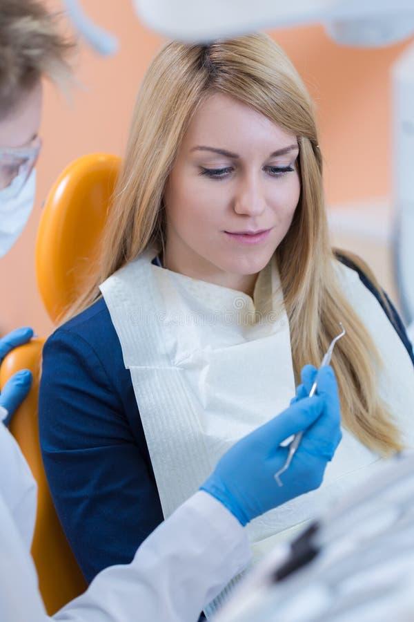 Intervento dentario aspettante immagini stock libere da diritti
