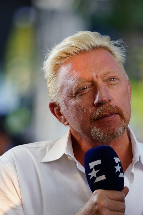 Intervista di comportamenti di Grand Slam Champion Boris Becker dell'analista di Eurosport durante l'US Open 2018 immagine stock