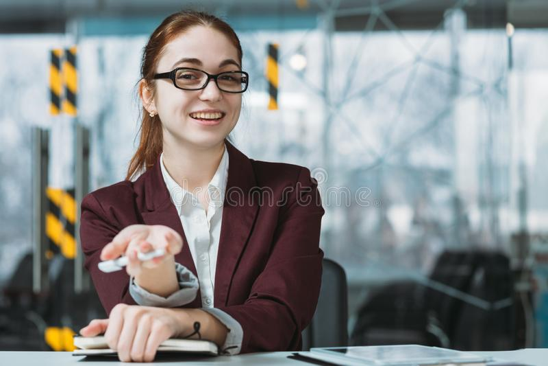 Intervista di lavoro benvenuta che impiega il richiedente virtuale di ora fotografia stock