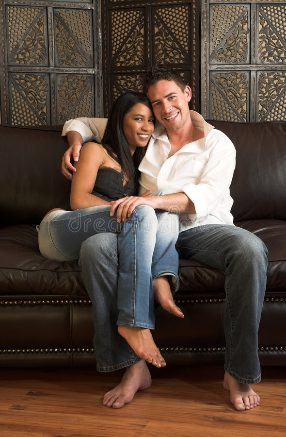 Jasmine + Simon   Intimate Couples Session - Myrtle & Moss