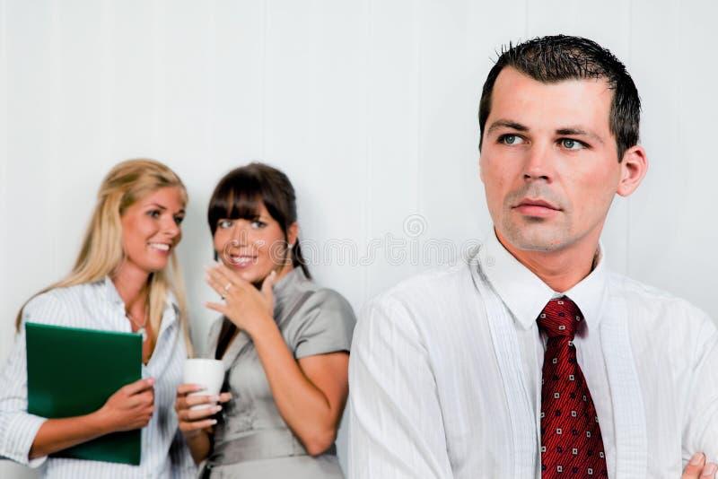 Intimider au travail dans le bureau image libre de droits