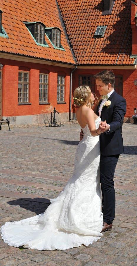 Intimité d'un couple de mariage de danse images libres de droits