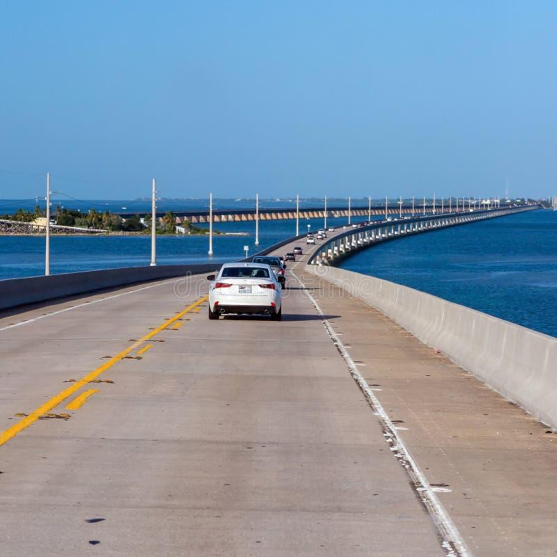 Intracoastal atlantico e strada principale us1 Florida chiude a chiave da uno stato all'altro immagini stock