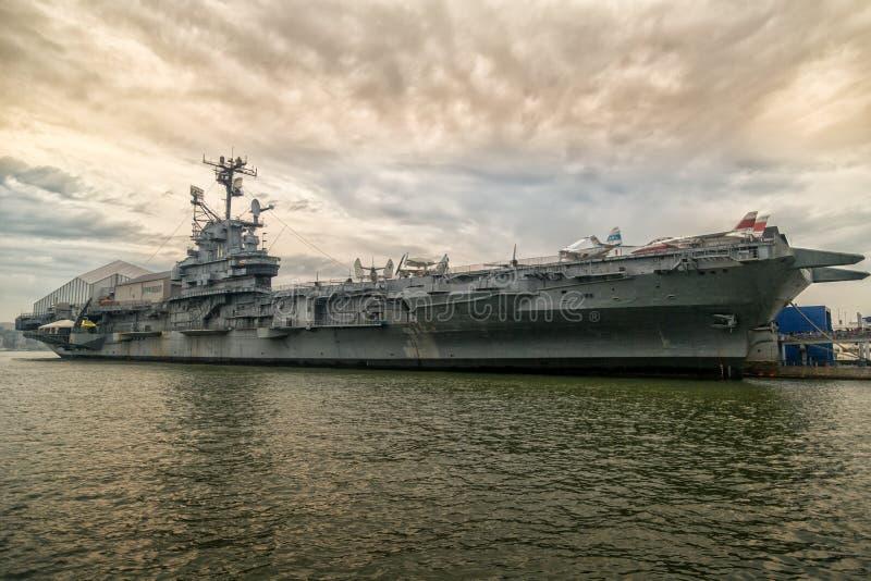 Intrepid USS arkivfoton