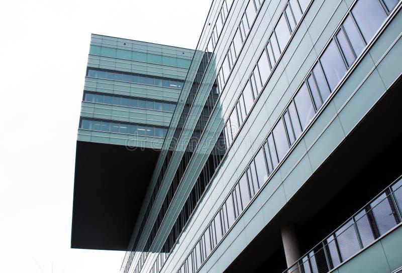 Intrestring Schuss des Bürogebäudes stockfotos