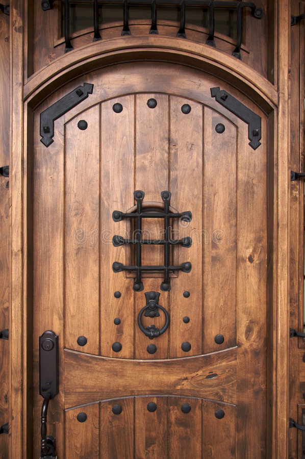 Free Intricate Wooden Doorway. Stock Photography - 4043262