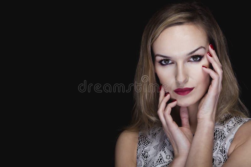 Intrigerende blik van een vampierschoonheid royalty-vrije stock fotografie