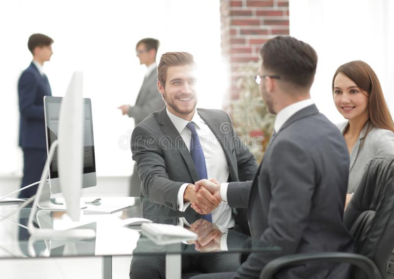 Introduceer nieuw lid van het werkende team stock afbeelding