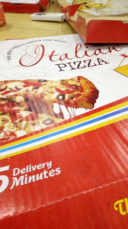 Introduceing nowa Włoska pizza fotografia stock