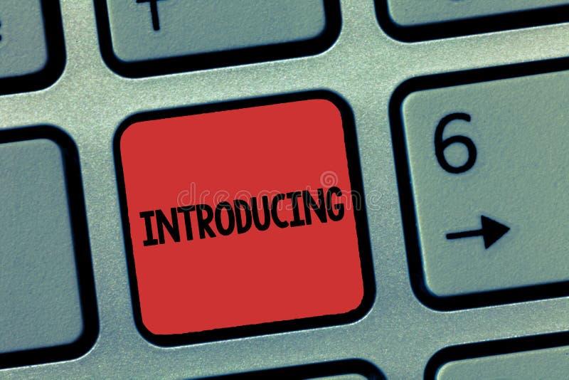 Introduktion för ordhandstiltext Affärsidé för att framlägga ett ämne eller någon första möte för initial inställning fotografering för bildbyråer