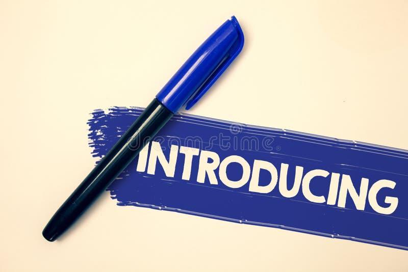 Introduktion för ordhandstiltext Affärsidé för att framlägga ett ämne eller någon för första möteidéer för initial inställning fa royaltyfria foton
