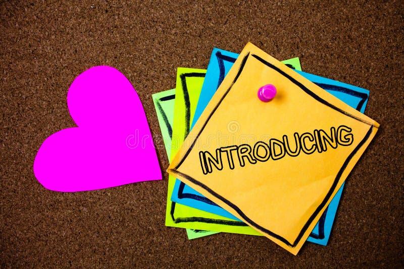 Introduktion för ordhandstiltext Affärsidé för att framlägga ett ämne eller någon för första möteidéer för initial inställning PA royaltyfri bild