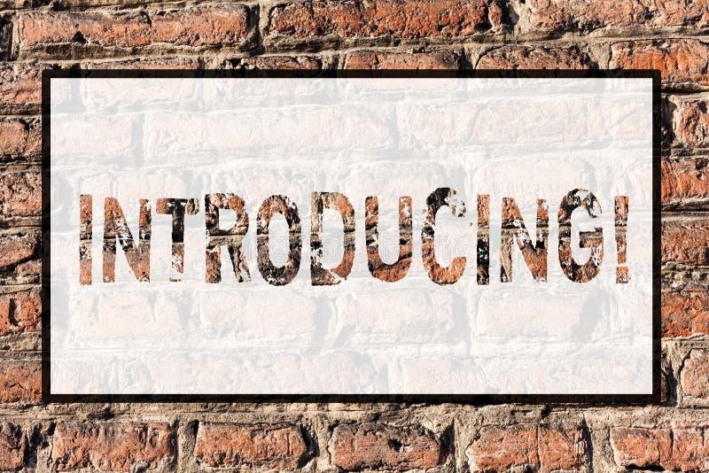 Introduktion för ordhandstiltext Affärsidé för att framlägga ett ämne eller någon första mötetegelsten för initial inställning fotografering för bildbyråer