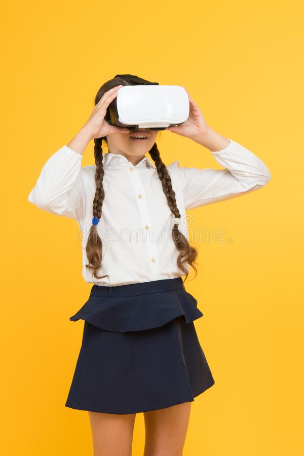 Introspecções na realidade virtual immersive em salas de aula reais Maneira digital em mudança das experiências nós aprendemos e  imagens de stock royalty free