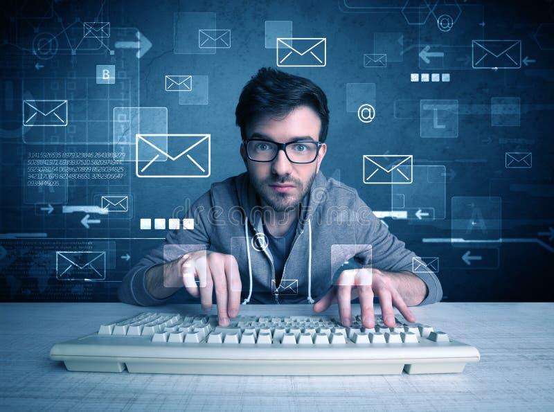 Intrus entaillant le concept de codes de passage d'email photographie stock