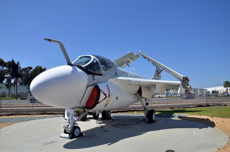 A-6 intruza samolotu szturmowego pokaz wśrodku Latać Leatherneck lotnictwa muzeum w San Diego, Kalifornia fotografia royalty free