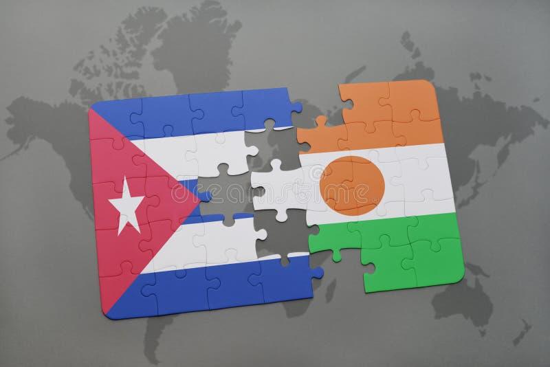 intryguje z flaga państowowa Cuba i Niger na światowej mapy tle fotografia royalty free