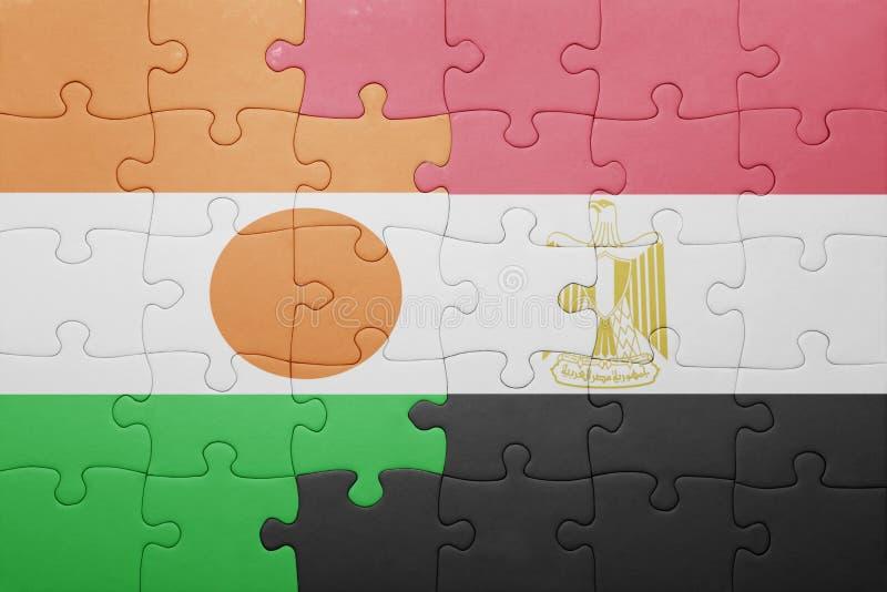 intryguje z flaga państowowa Niger i Egypt fotografia royalty free