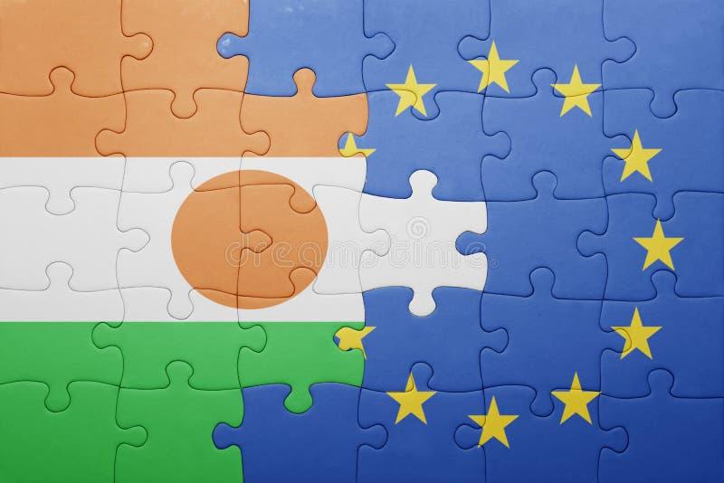 intryguje z flaga państowowa Niger i europejski zjednoczenie zdjęcie stock