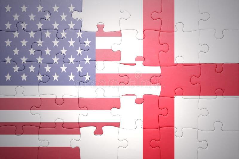 Intryguje z flaga państowowa zlani stany America i England fotografia royalty free