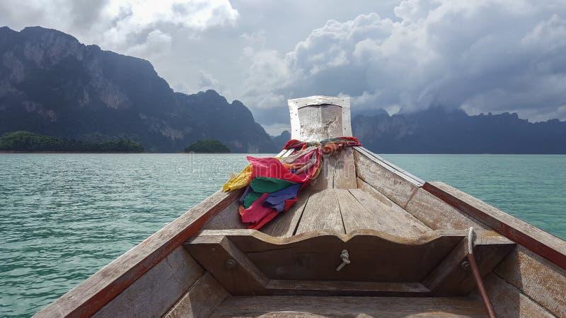 Intymna łódkowata wycieczka na lagunie w Tajlandia obraz stock