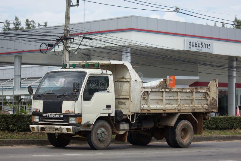Intymny Mitsubishi Canter usyp ciężarówka zdjęcie royalty free
