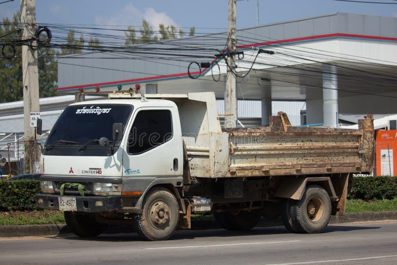 Intymny Mitsubishi Canter usyp ciężarówka zdjęcia stock