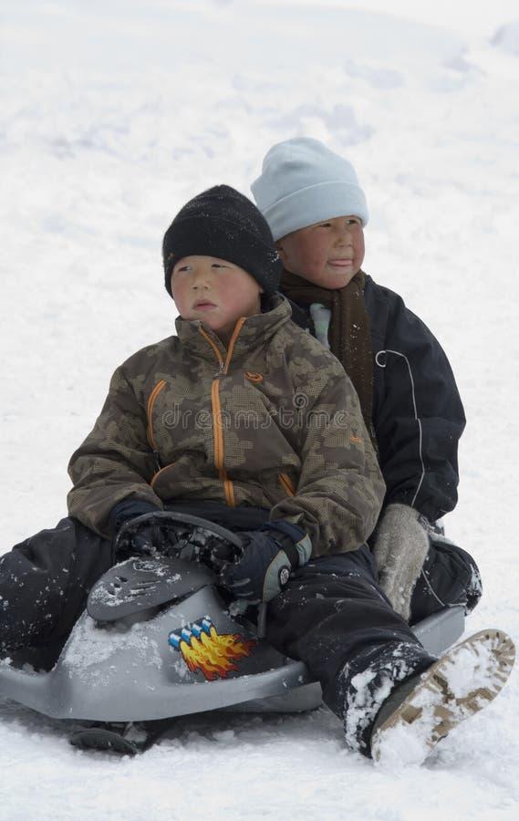 Inuit-Kinder - Grönland - Ittoqqortoormiit lizenzfreie stockbilder
