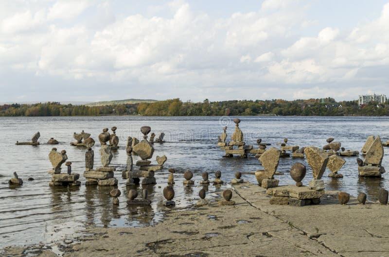 2017 Inukshuks στα ορμητικά σημεία ποταμού 43 Remics στοκ εικόνες