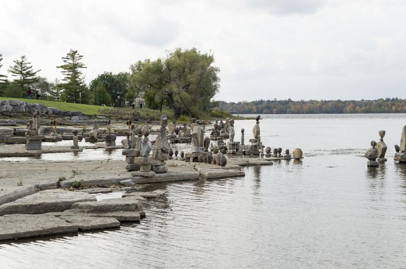 2017 Inukshuks στα ορμητικά σημεία ποταμού 8 Remics στοκ εικόνες με δικαίωμα ελεύθερης χρήσης