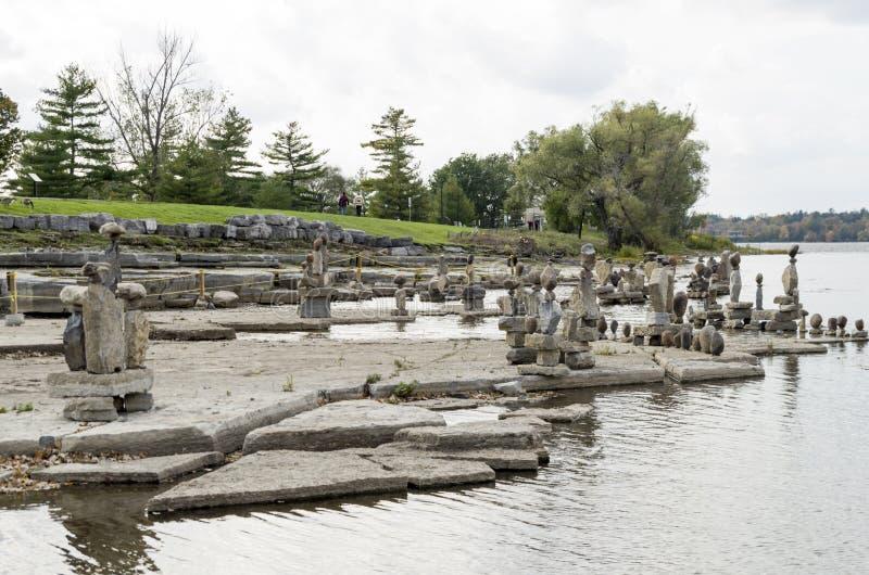 2017 Inukshuks στα ορμητικά σημεία ποταμού 9 Remics στοκ φωτογραφία με δικαίωμα ελεύθερης χρήσης