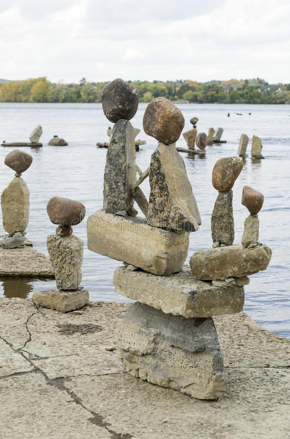2017 Inukshuks στα ορμητικά σημεία ποταμού 29 Remics στοκ φωτογραφίες